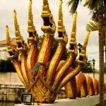 Храм с большими змеями Наги на Пхукете: wat Ladthiwanaram