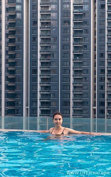Бассейн в отеле Fraser Place Kuala Lumpur