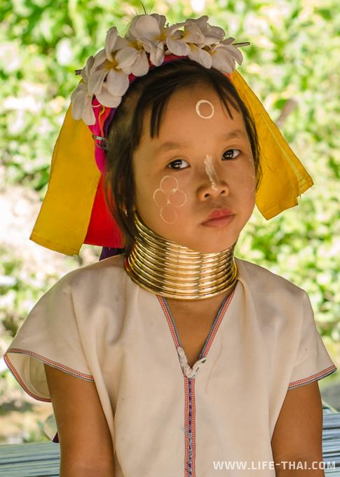 Племя падаунг, карены, Таиланд