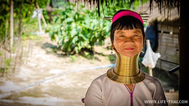 Женщина из племени каренов, Таиланд