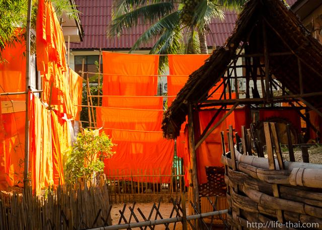 Буддийские одеяния, Phan Tao, Чианг Май