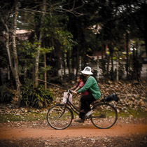Камбоджийцы на велосипеде