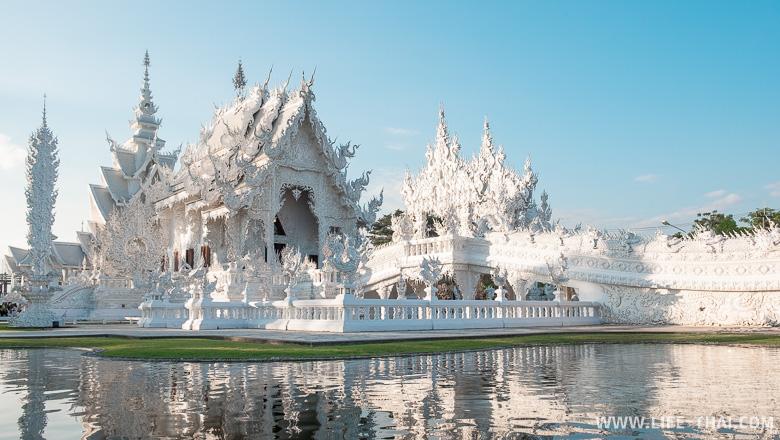 Белый храм в Чианграе - главная достопримечательность города