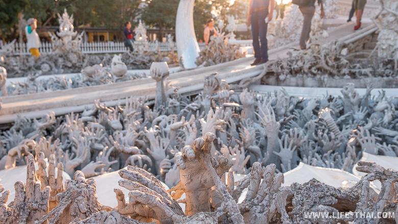 Белый храм - одна из знаковых достопримечательностей Таиланда