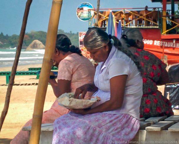 люди едят руками, Шри Ланка