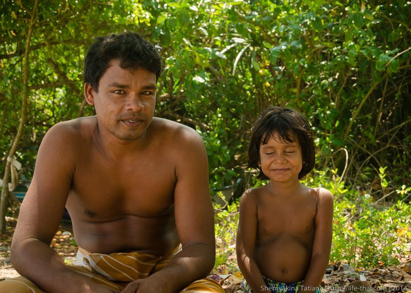 Отец и дочь, Шри Ланка