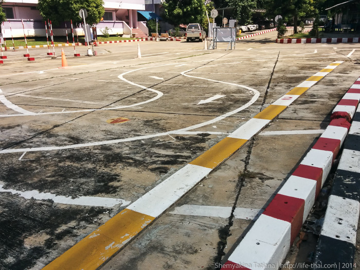Площадка для сдачи вождения на мотобайке
