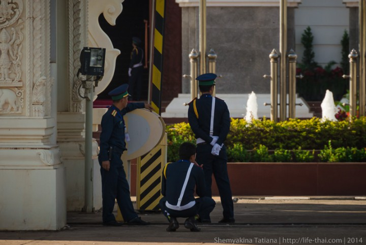 Гвардейцы, Лаос