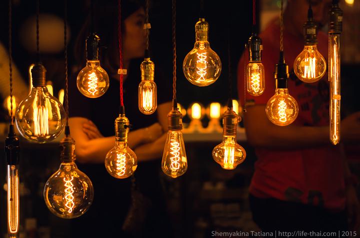 Лампочки, Род фаи талад, Бангкок, Таиланд