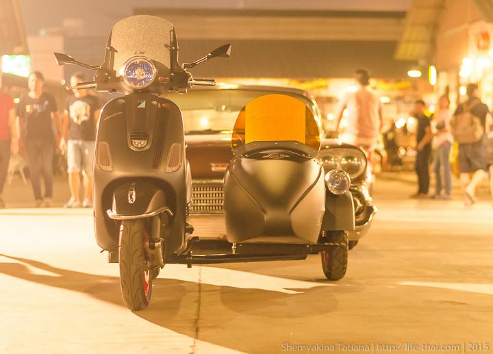 Мотороллер Vespa с люлькой, Бангкок