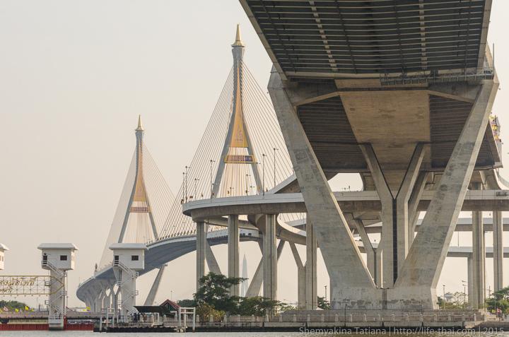 Мост Bhumibol bridge в Бангкоке, Таиланд