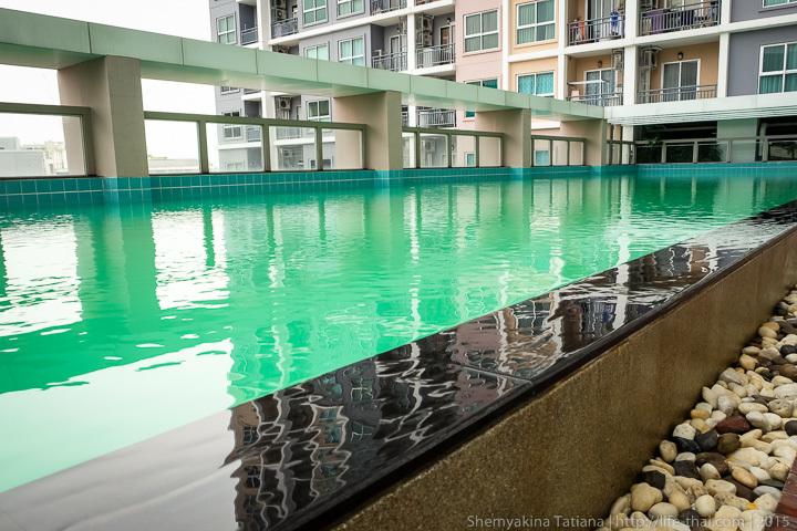 Бесконечный бассейн