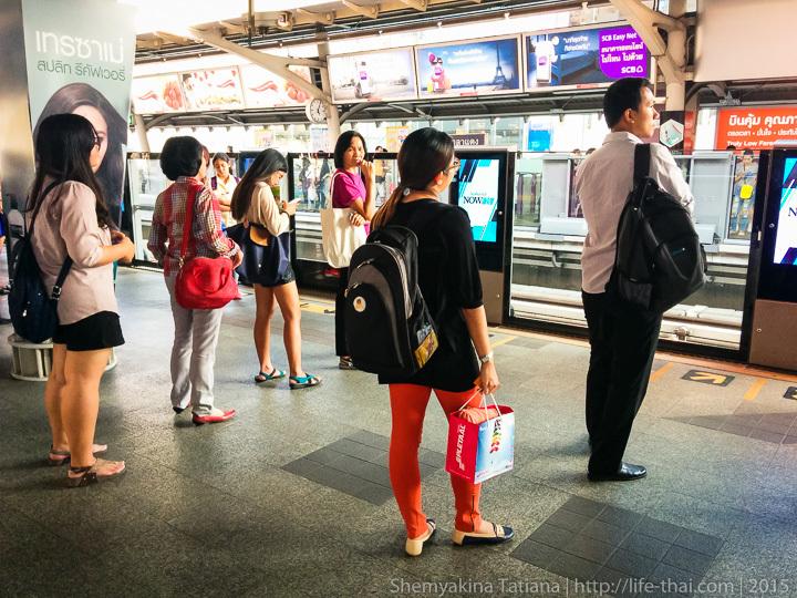 Очередь в метро. Бангкок, Таиланд