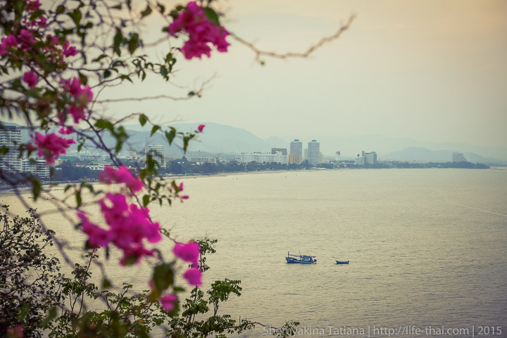 Ват Кхао Такиап, Хуа Хин