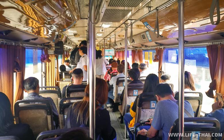 Автобус А1 из аэропорта Дон Муанг на автостанцию Мочит с минибасами в Хуа Хин
