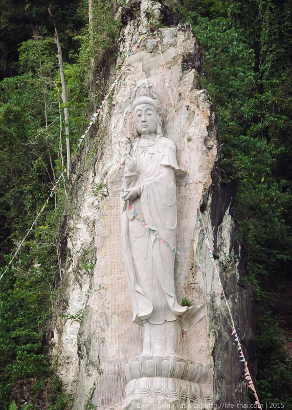Буддийский храм, остров Лангкави, Малайзия