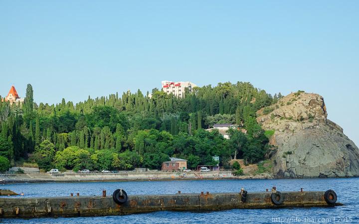 Посёлок Утёс, Крым