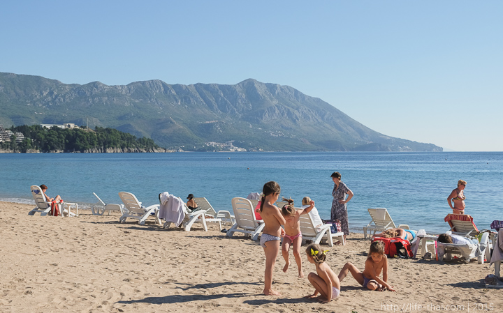Пляж в Будве, октябрь, Черногория