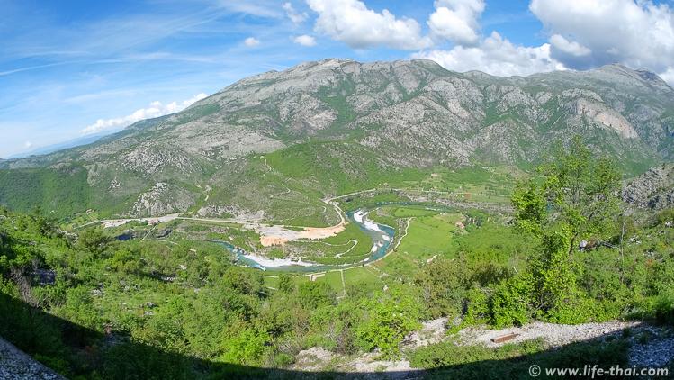 Пейзажи за окном поезда из Черногории в Сербию