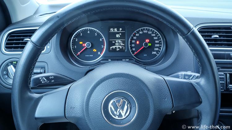 VW Polo внутри - аренда в Черногории, наш опыт