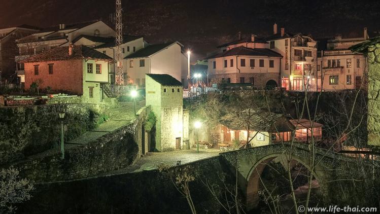 Мостар вечером, фото из путешесвтия по Босния и Герцеговина