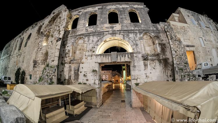 Стена дворца Диоклетиана, Сплит, Хорватия
