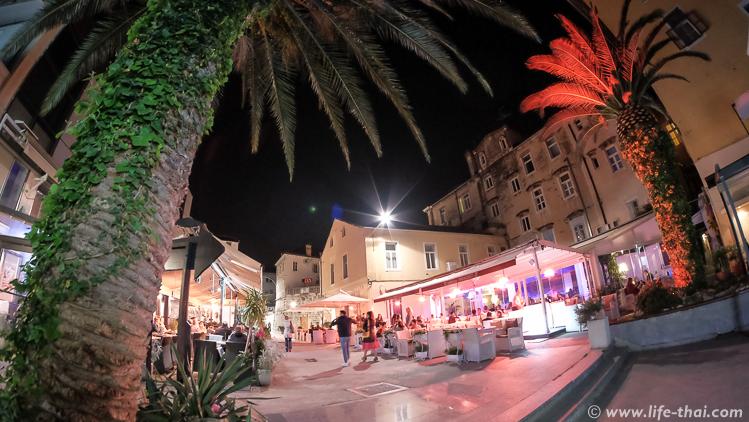 Улица в Сплите вечером, Хорватия, фото