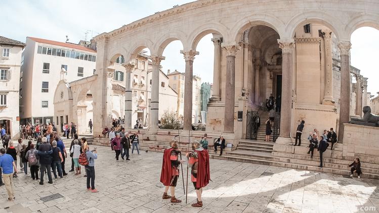 Перистиль во дворце Диоклетиана, Сплит