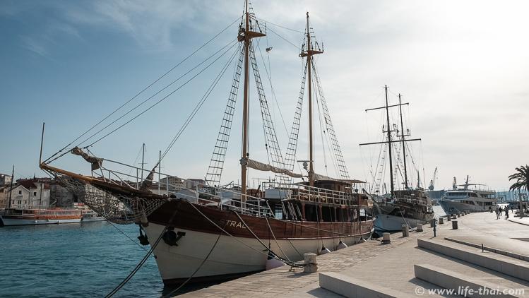 корабль, Трогир, Хорватия
