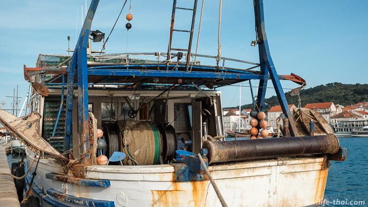 Рыбацкий корабль, Трогир, Хорватия