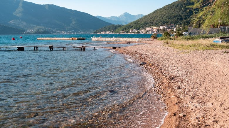 Как выглядят пляжи в Тивате