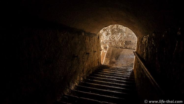 Лестница на третий этаж крепости Врмац, Черногория