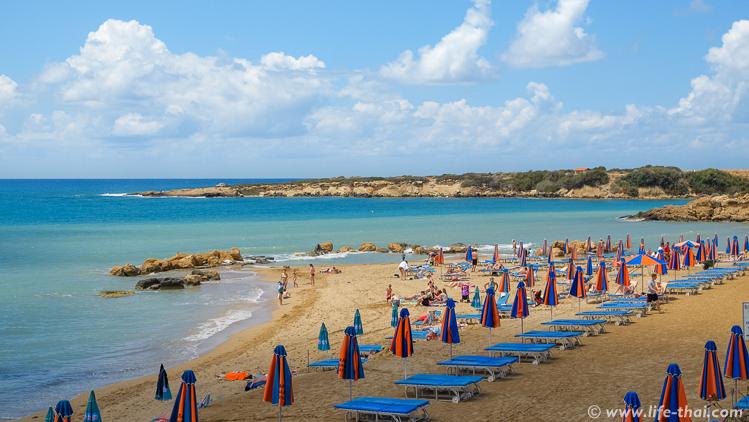 Пляж Корал Бей на Кипре