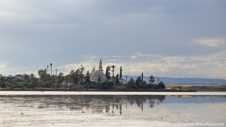 Солёное озеро в Ларнаке, Кипр
