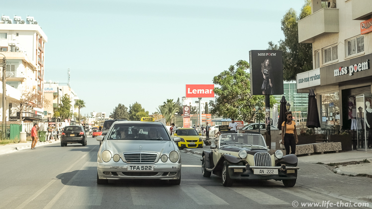 Машины, движение на Северном Кипре