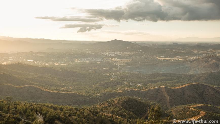 Закат на Кипре, монастырь Ставровуни