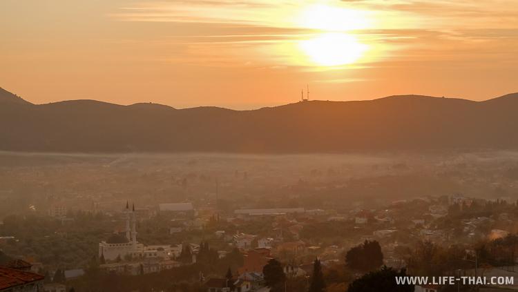 Закат в Старом городе Бара, Черногория