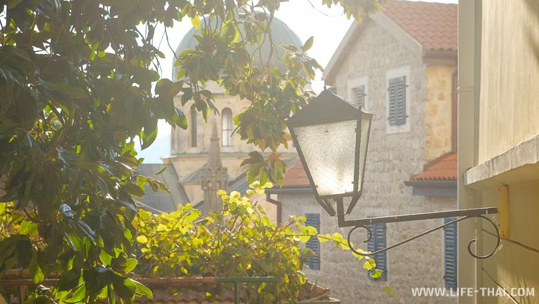 Старый город в Герцег-Нови, Черногория
