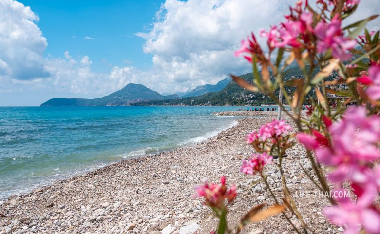 Как выглядят пляжи в Баре