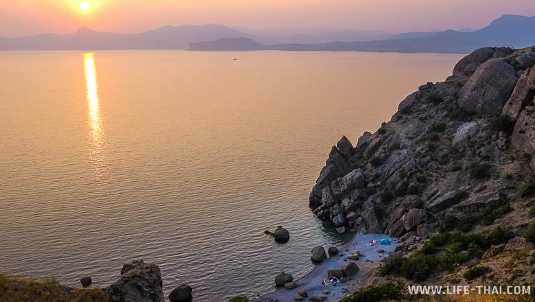Бухта на Меганоме, отдых в Крыму