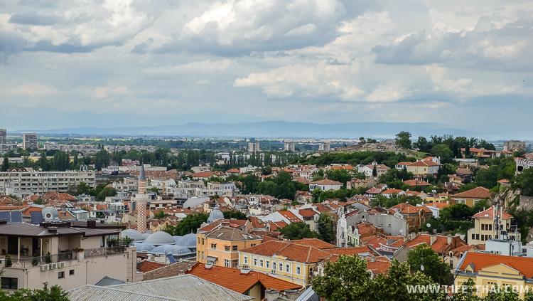 Вид на старый город Пловдива с одного из холмов, Болгария