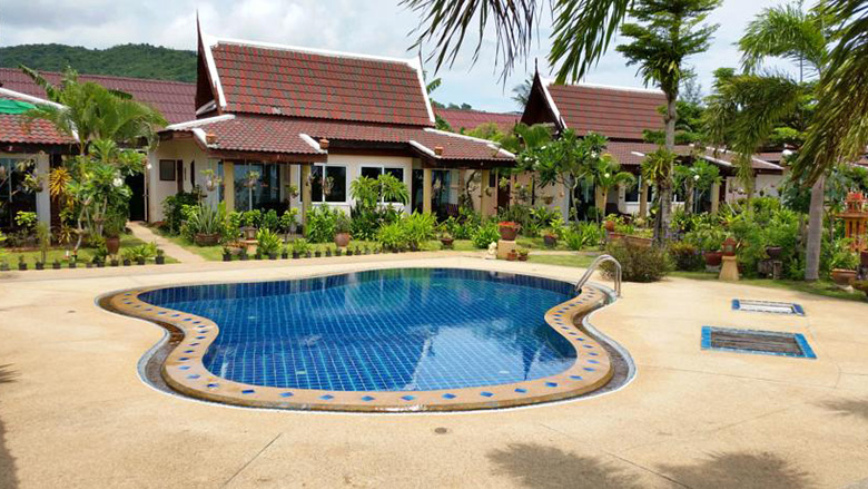 Отличный отель 4 звезды на первой линии пляжа Бангтао