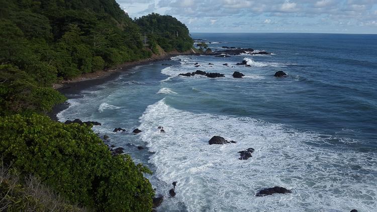 Побережье Коста-Рики, волны