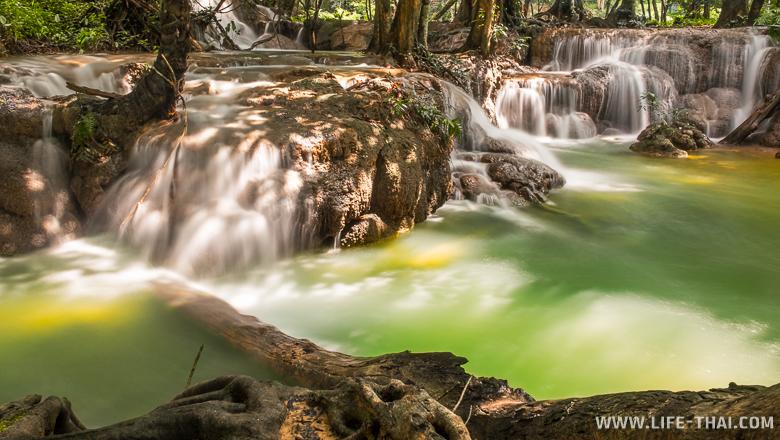 Водопады Кроенг Кравиа, Канчанабури, Таиланд