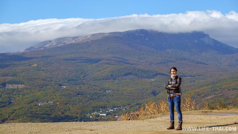 Я на фоне Крымских гор