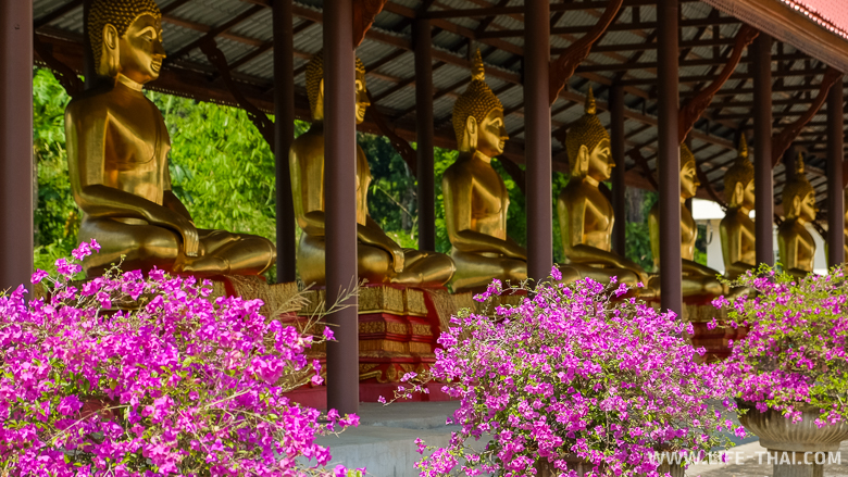 Один из буддистских храмов в Канчанабури, Таиланд