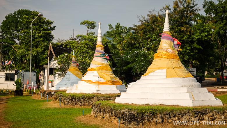 """Погран. переход """"3 пагоды"""" на границе между Таиландом и Бирмой"""
