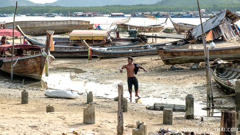 Пляж на западной части Кокосового острова, Пхукет, Таиланд