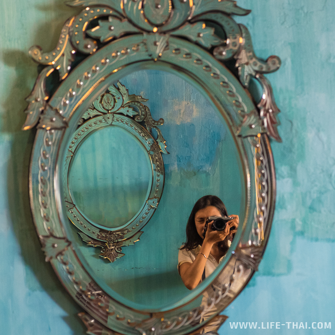 Автопортрет с зеркалом, Пенанг, Малайзия