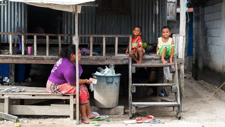В деревне у морских цыган, Пхукет, Таиланд